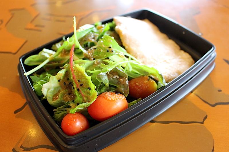 starbucks-thailand-salad-kinbinnon-002